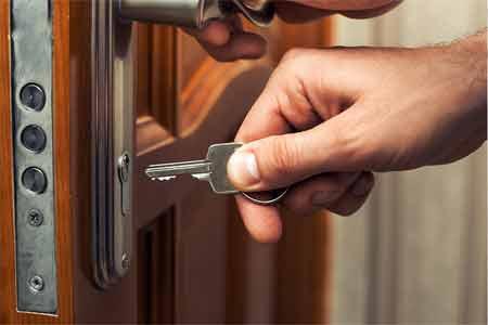 The best making of door knob lock hole
