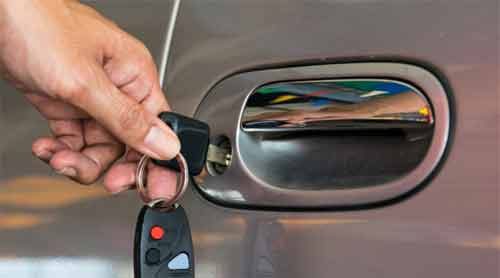 Effective ways to get a broken key out of a car door lock