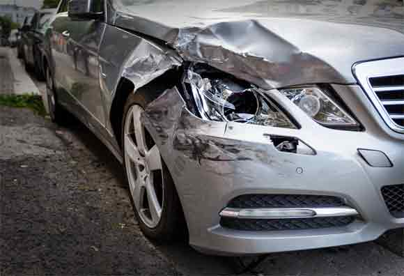 Where we can sell the damaged cars