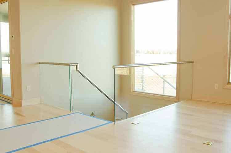 How to Attach Glass Railing to Stair Stringers